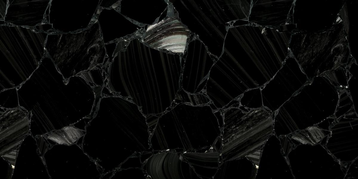 Akam Obsidian Black